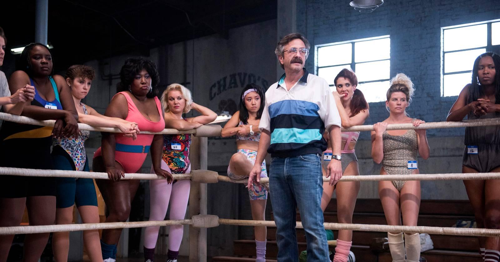 Marc Maron como Sam Sylvia, en el ring del gimnasio de GLOW.