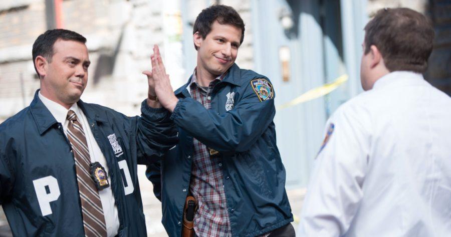 Andy Samberg y Joe Lo Truglio en la serie Brooklyn 99
