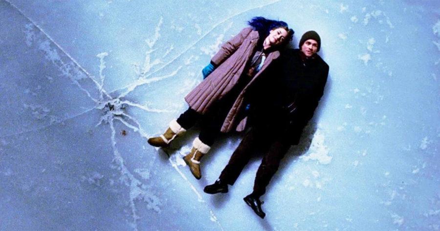 Clementine y Joel tirados sobre el hielo, una escena icónica de Eterno Resplandor de una mente sin recuerdos