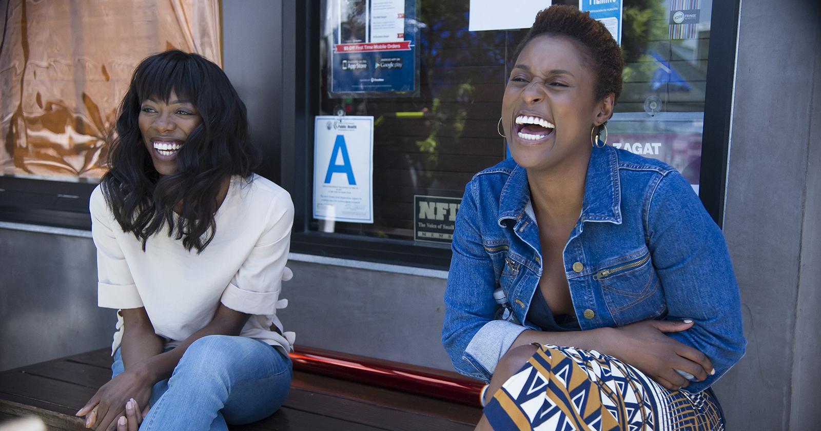 Yvonne Orji e Issa Rae, ambas están nominadas para galardones en categorías de actuación en los Emmy 2020.