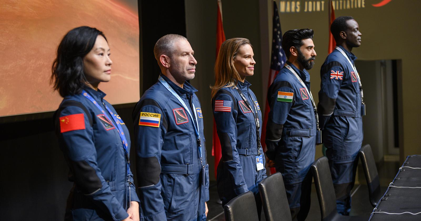 Lu (Vivian Wu), Misha (Mark Ivanir), Emma (Hilary Swank), , Ram (Ray Panthaki) y Kwesi (Ato Essandoh).