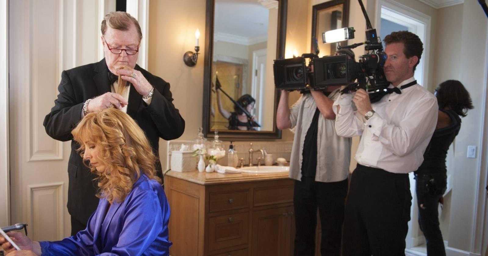 The Comeback, Mickey peina a Valerie mientras las cámaras del reality graban el proceso