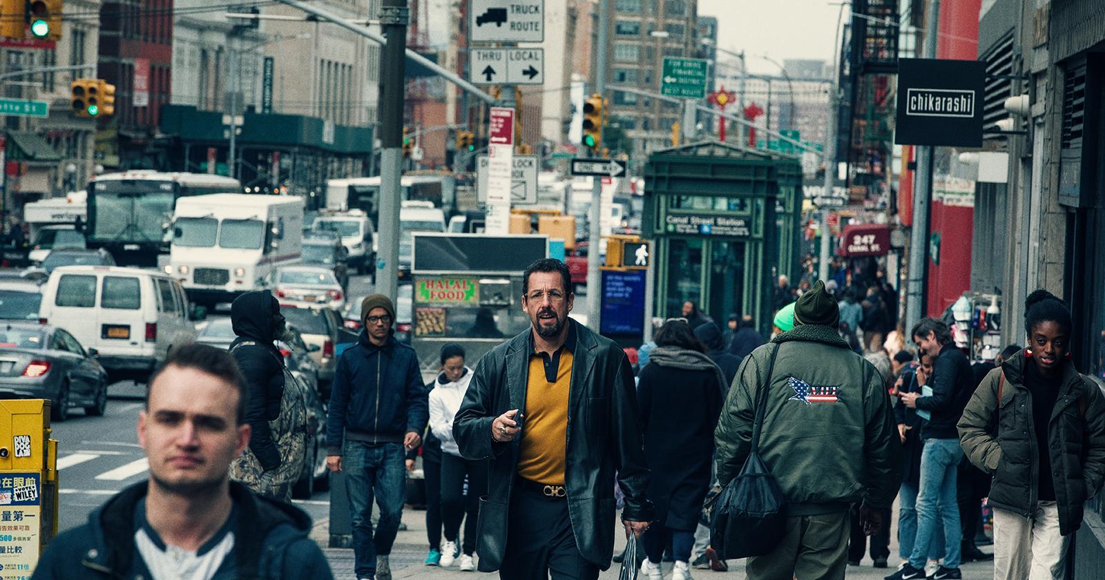 Adam Sandler en las calles de Nueva York, donde se filmó Diamantes en bruto