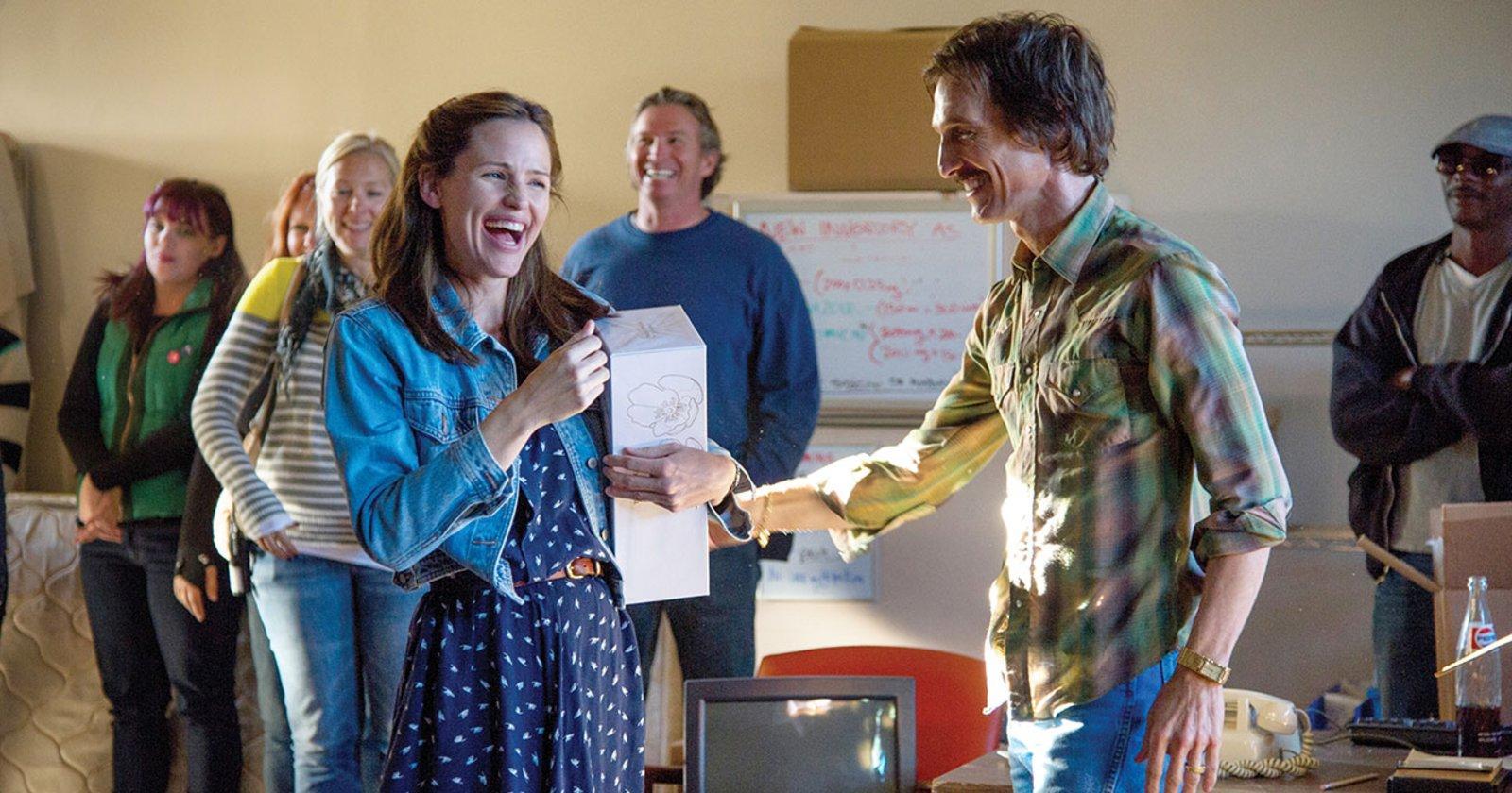 Jennifer Garner como Eve y Matthew McConaughey como Ron Woodroof en Dallas Buyers Club